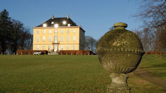 Foto: Den romantiske have ved Næsseslottet