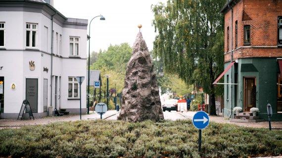 Skulptur i rundkørsel i Holte Foto: Jess Kimmerslev