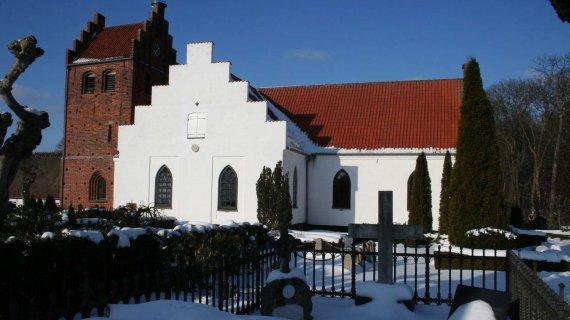 Søllerød Kirke i sne Foto: Jean Schweizer