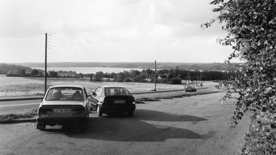 Foto: Parkeringsplads på Åsebakken 1990