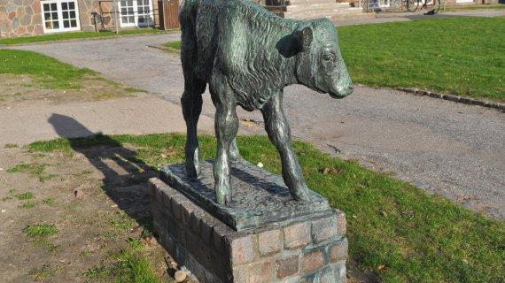 Gudrun Lauesens skulptur Kalv