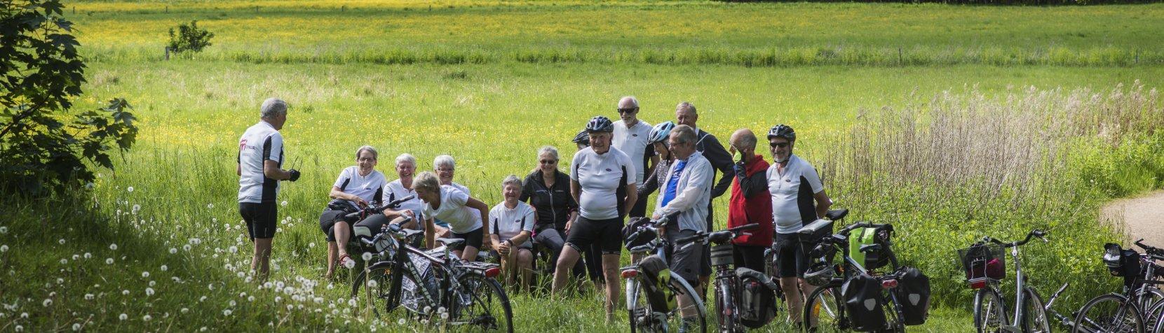 Foto: RudersdalRutens Univers - cyklister på tur holder pause