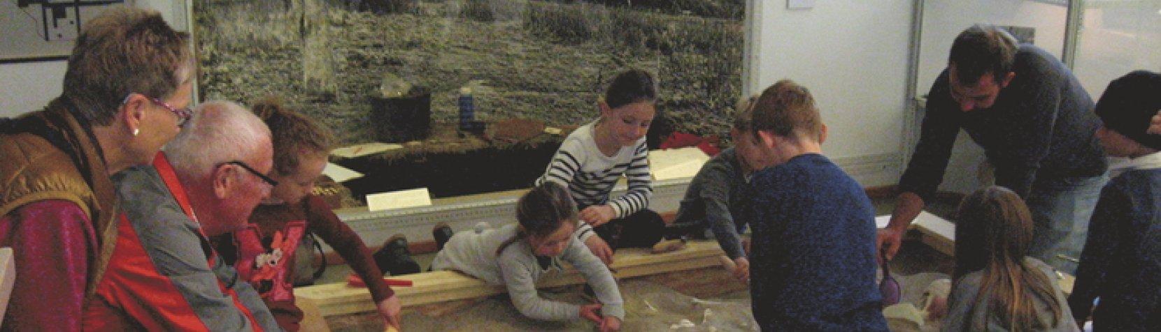 Foto: Leg arkæolog på Vedbækfundene