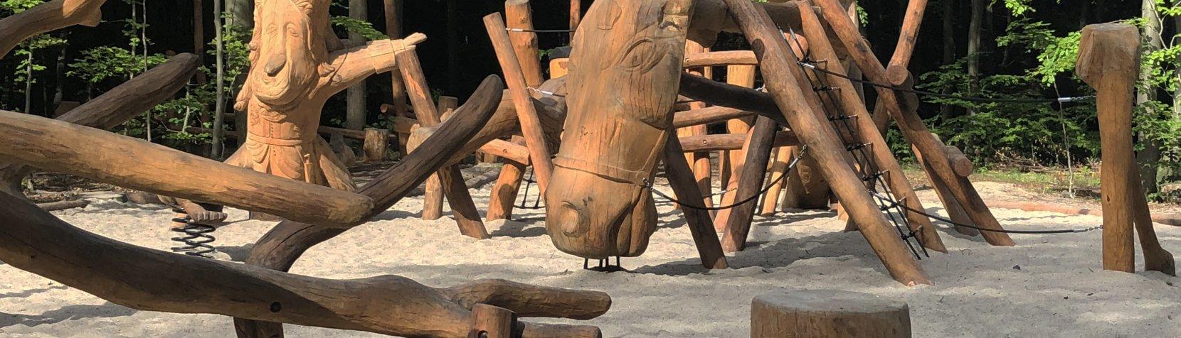 Foto: Hest og konge fra Skovlegepladsen Kronhjorten