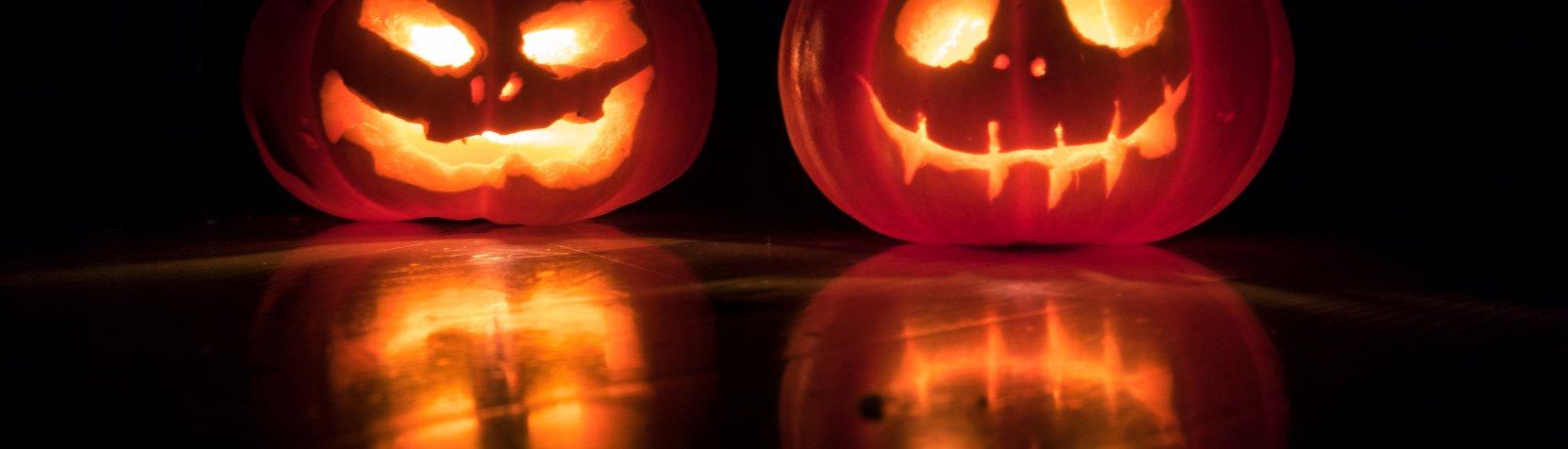 Halloween - foto af David Menidrey fra Unsplash.com