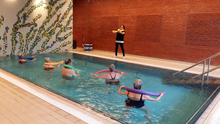 Foto: Vandgymnastik i Birkerød Svømmehal - varmtvandsbassin
