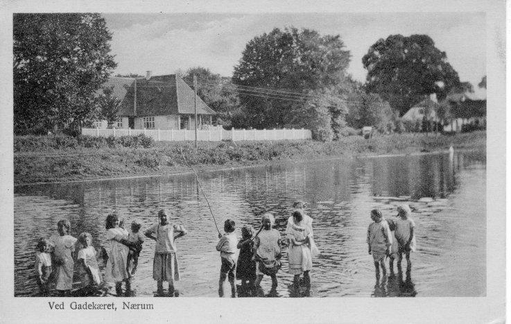 Ved gadekæret Nærum 1919